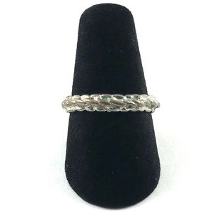 Cute Vintage Silver Tone Ring Size 6.5